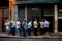 Line for weekly meat delivery in Old Havana