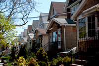 houses in Rego Park